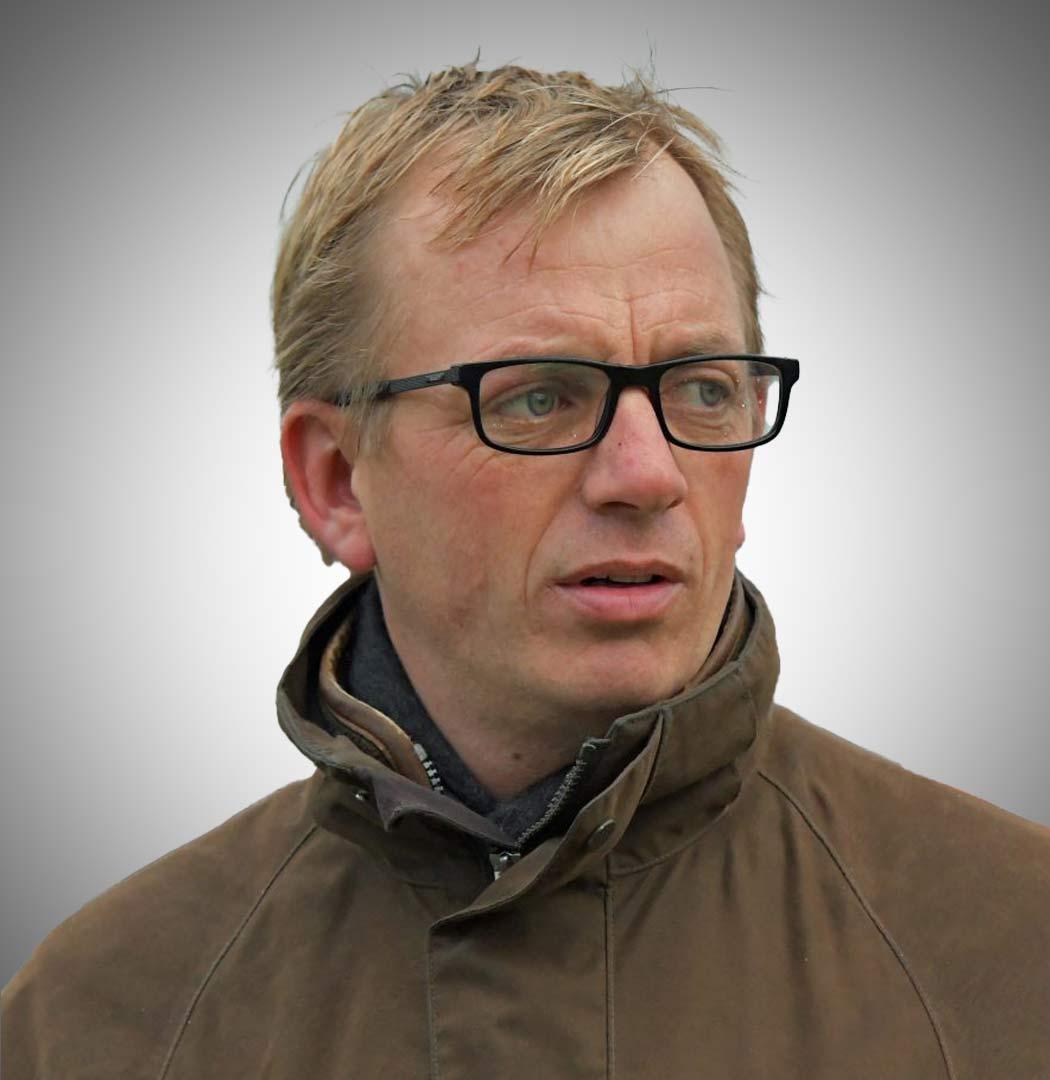 Warren Greatrex albatross club horse racing trainer